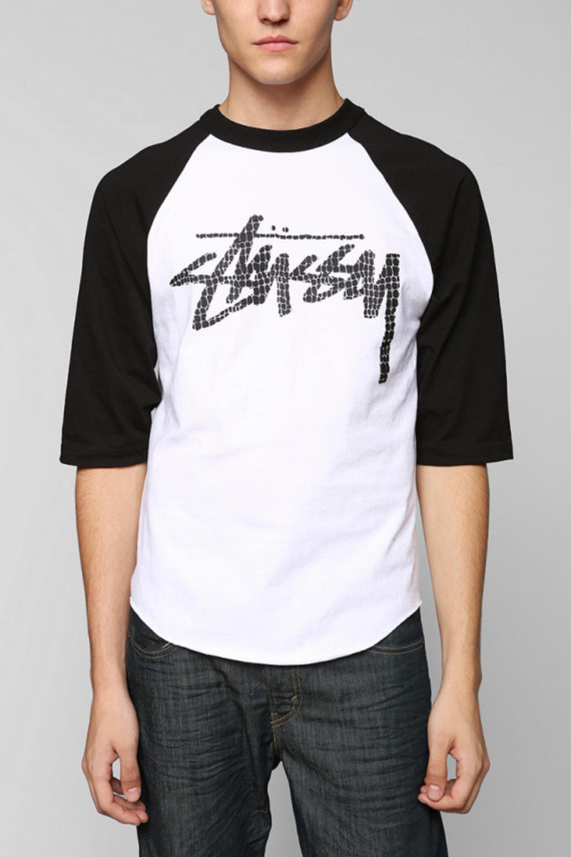 stussy-croc-raglan-tshirt-urban-outfitters-exclusive-01