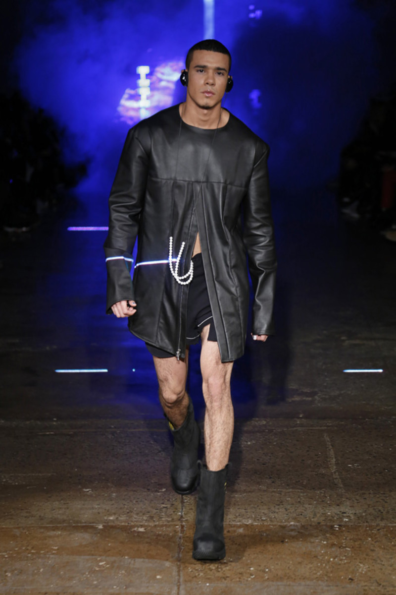 hood-by-air-fall-2013-runway-show-17