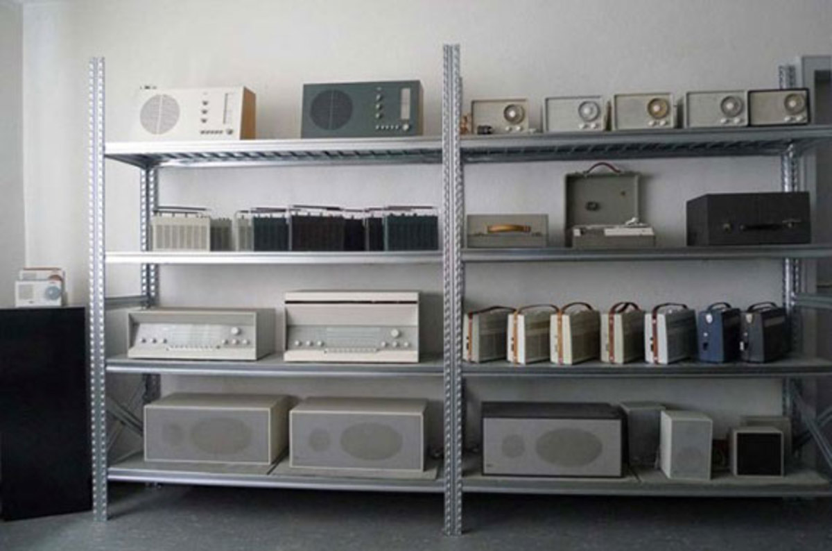 braun-design-collection-1000-vintage-braun-products-for-sale-02