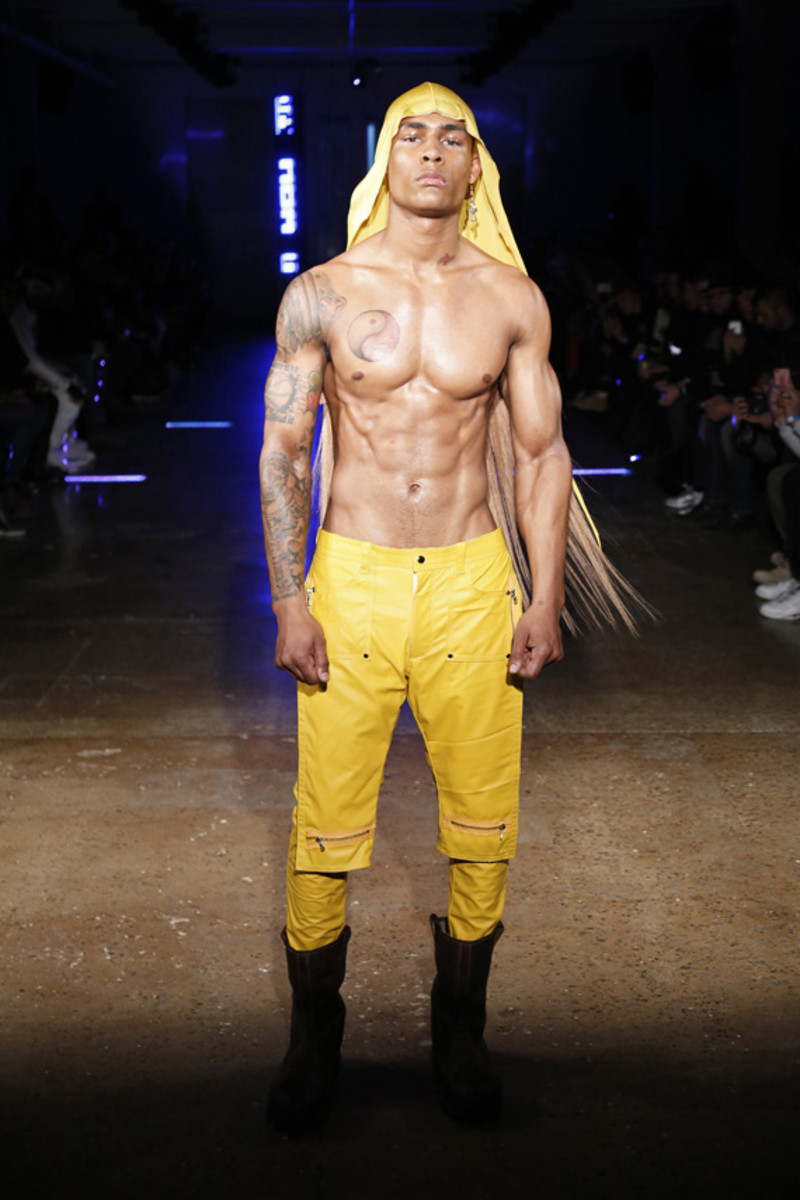 hood-by-air-fall-2013-runway-show-11