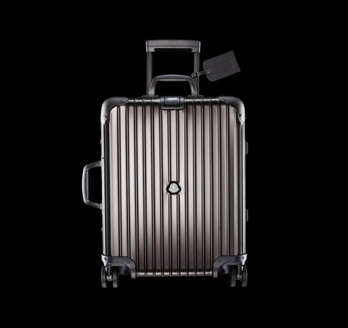 rimowa-and-moncler-luggage-collection-02