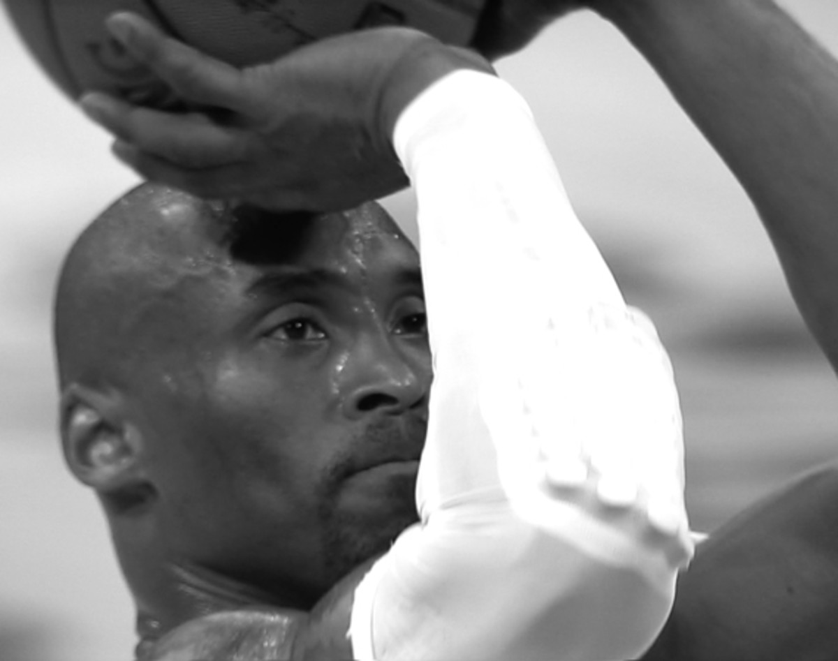 nike-welcomes-kobe-bryant-back-to-the-court-video-01