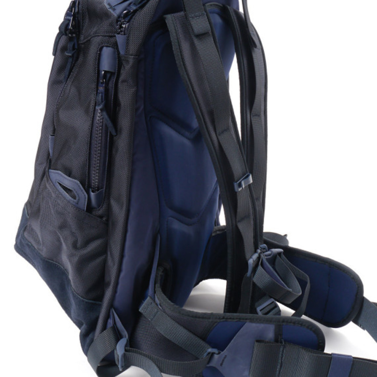 visvim-ballistic-20l-backpack-navy-06