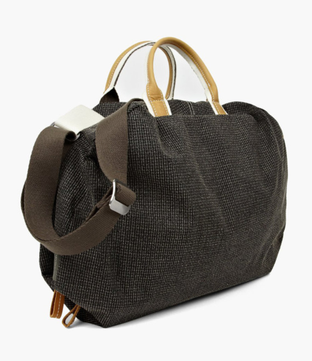 cote-and-ciel-seine-bowling-bag-02