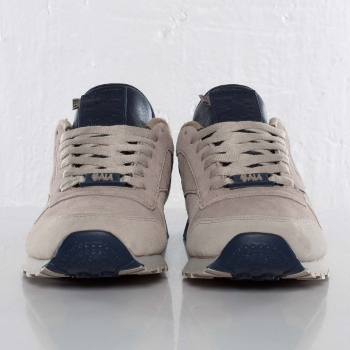 frank-the-butcher-reebok-classic-leather-lux-03