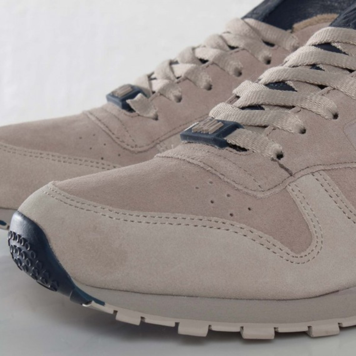 frank-the-butcher-reebok-classic-leather-lux-08