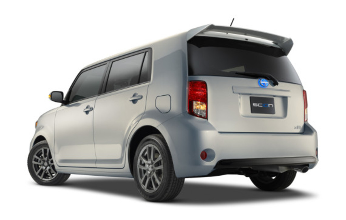 scion-10th-anniversary-special-edition-models-34