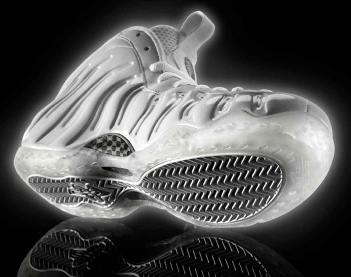 nike-air-foamposite-one-white-314996-100-06