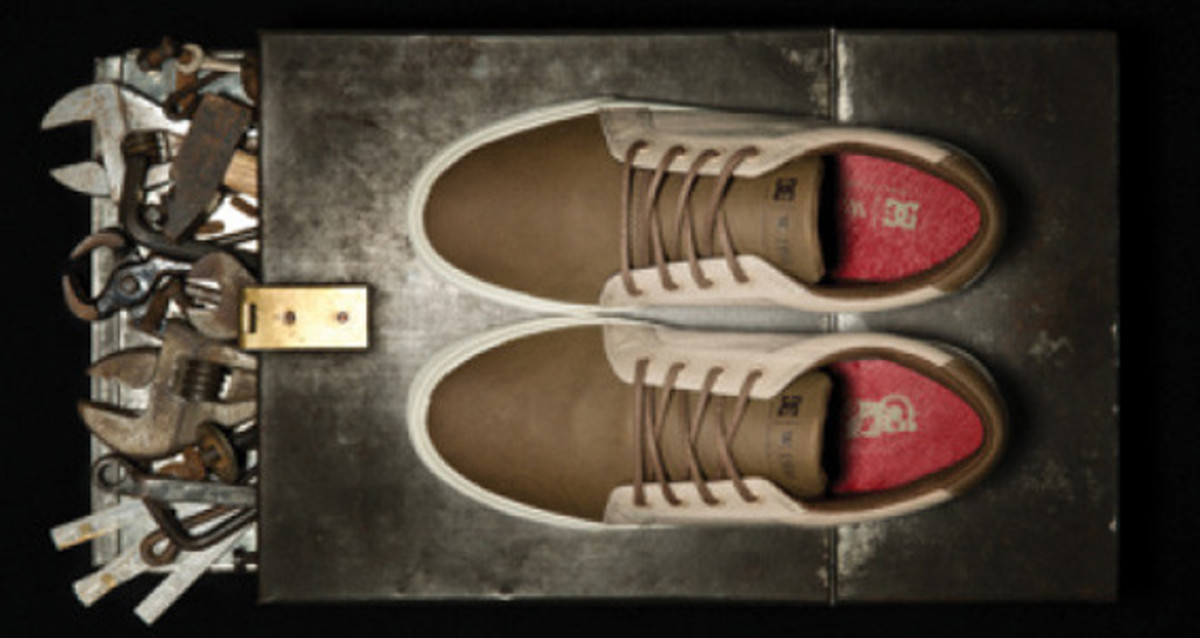 dc-shoes-w1910-double-label-collection-preview-06