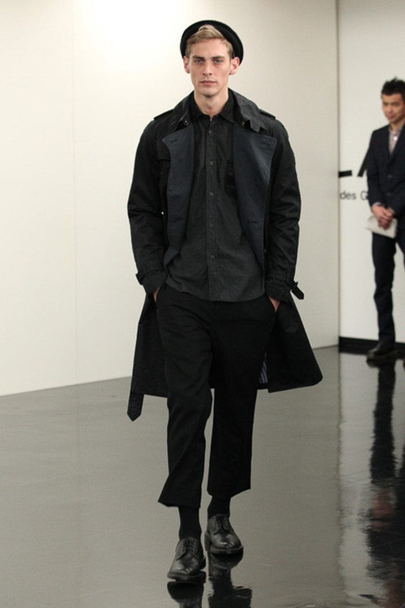 comme-des-garcons-homme-fall-winter-2013-collection-runway-show-28