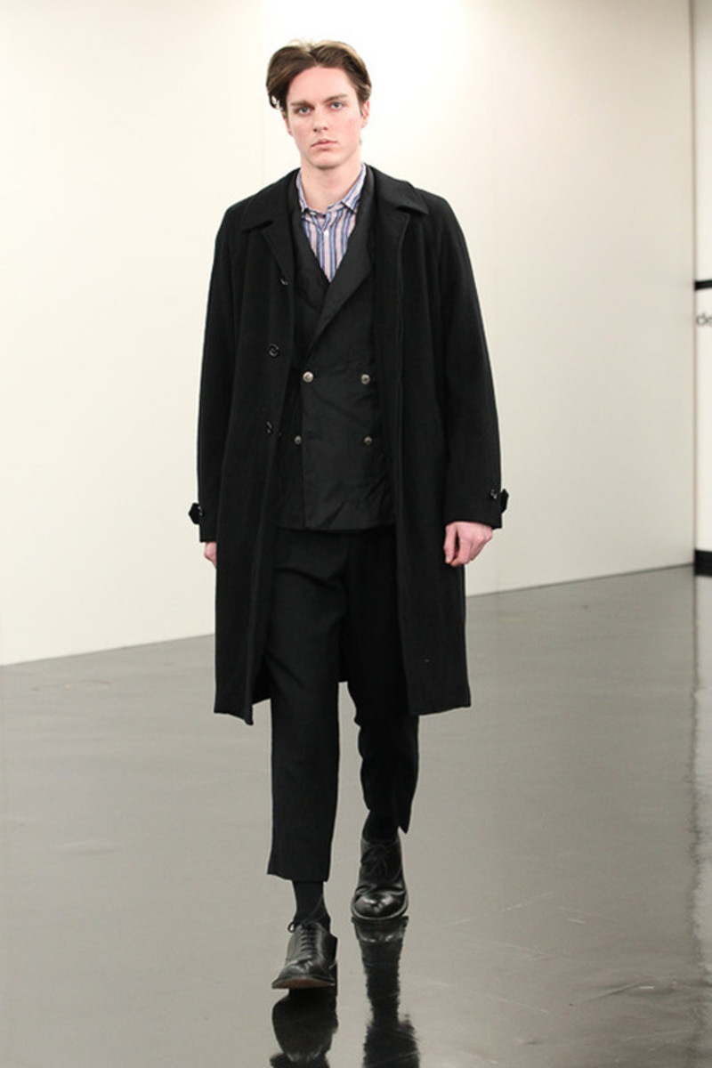 comme-des-garcons-homme-fall-winter-2013-collection-runway-show-29