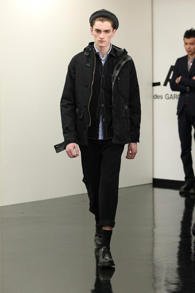 comme-des-garcons-homme-fall-winter-2013-collection-runway-show-23