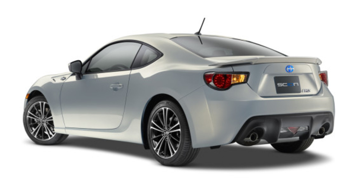 scion-10th-anniversary-special-edition-models-03