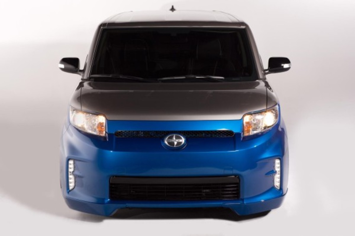 scion-fr-s-and-xb-stretch-limo-concepts-30