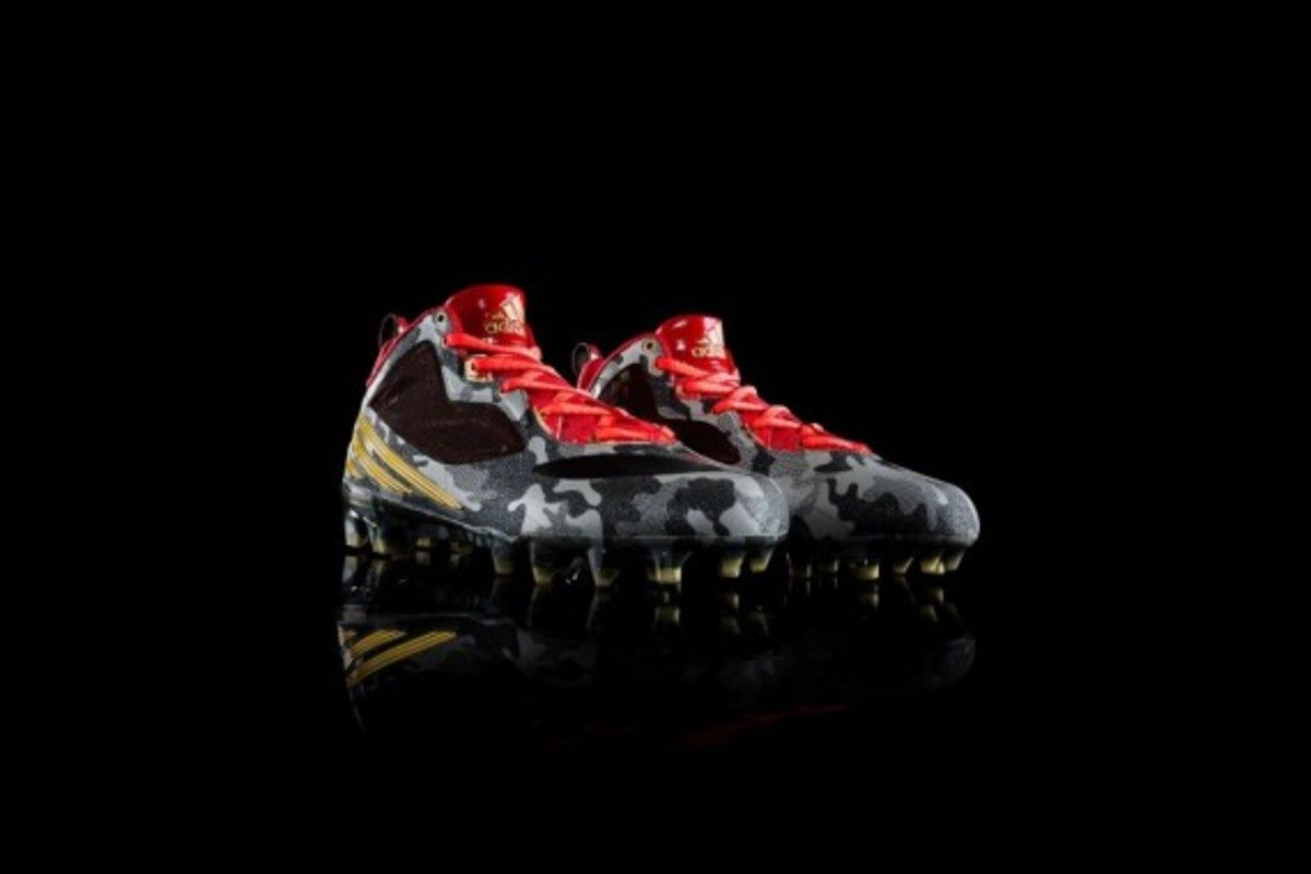 adidas-releases-rgiii-first-signature-cleat-04