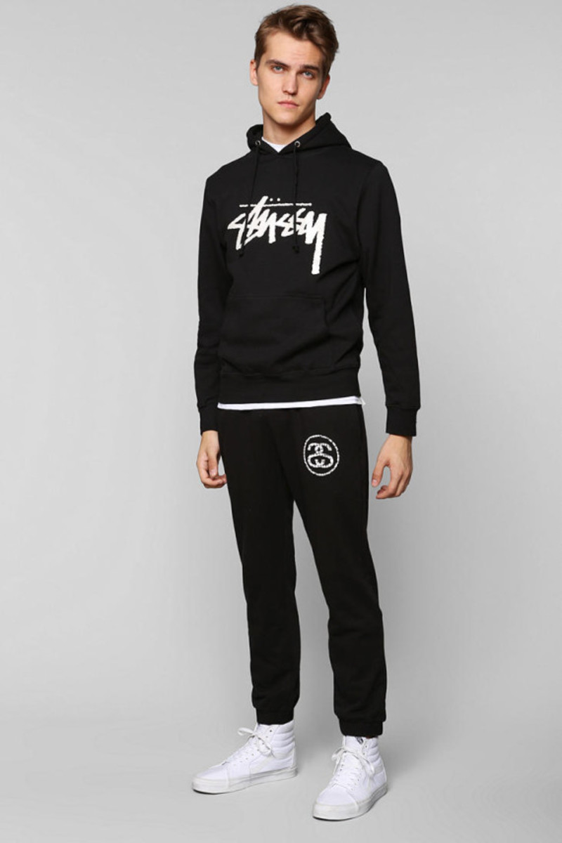 stussy-croc-sweatpants-urban-outfitters-exclusive-04