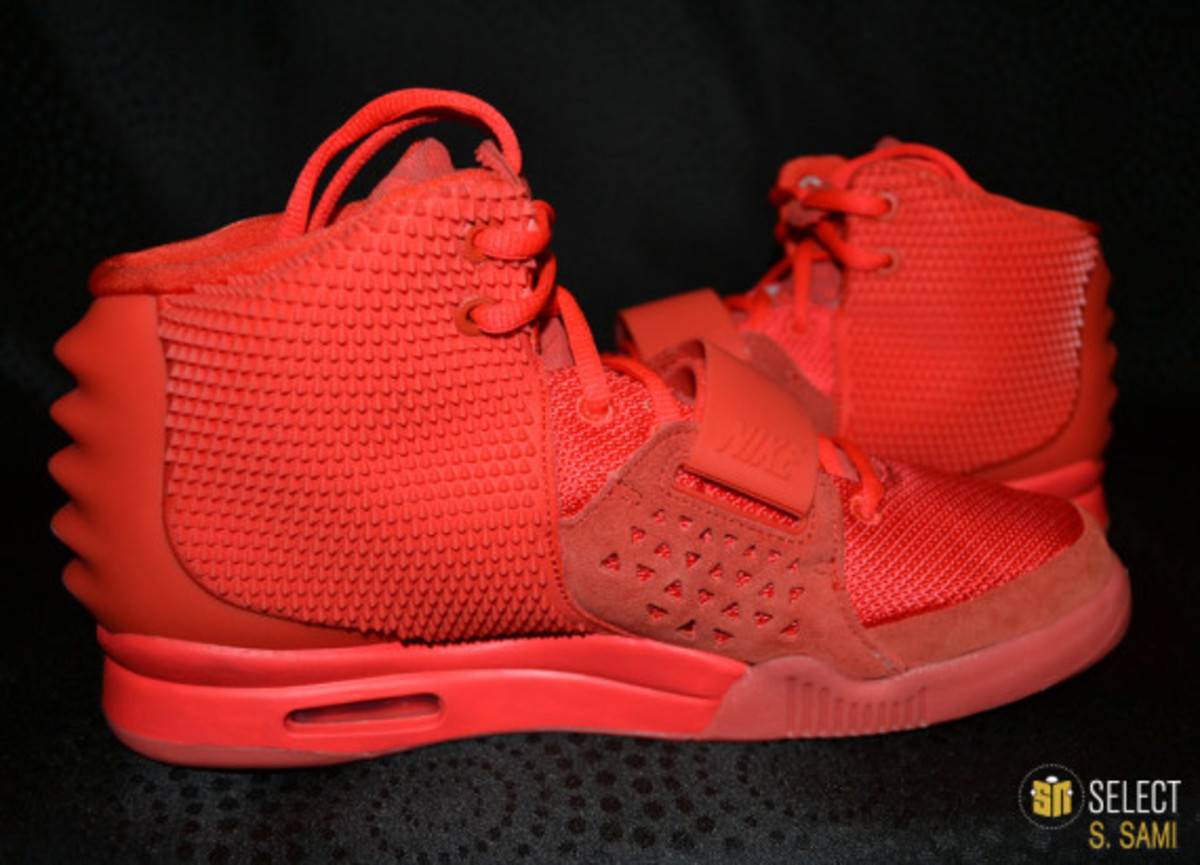 nike-air-yeezy-2-red-october-detailed-look-22