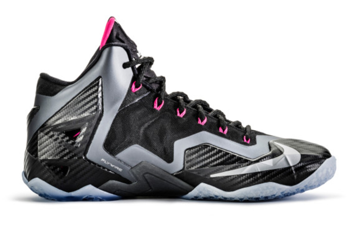 nike-lebron-11-miami-nights-04