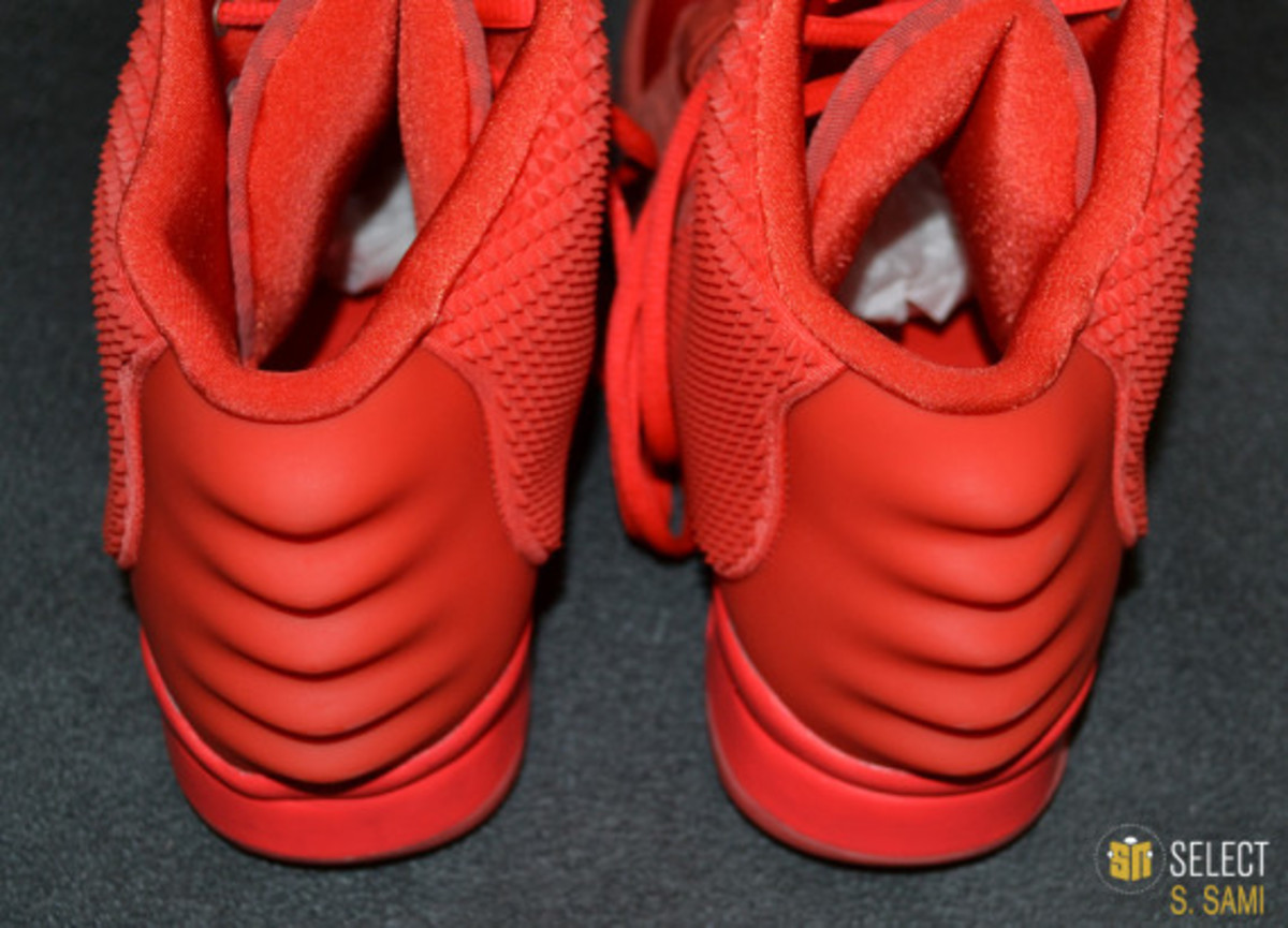 nike-air-yeezy-2-red-october-detailed-look-29