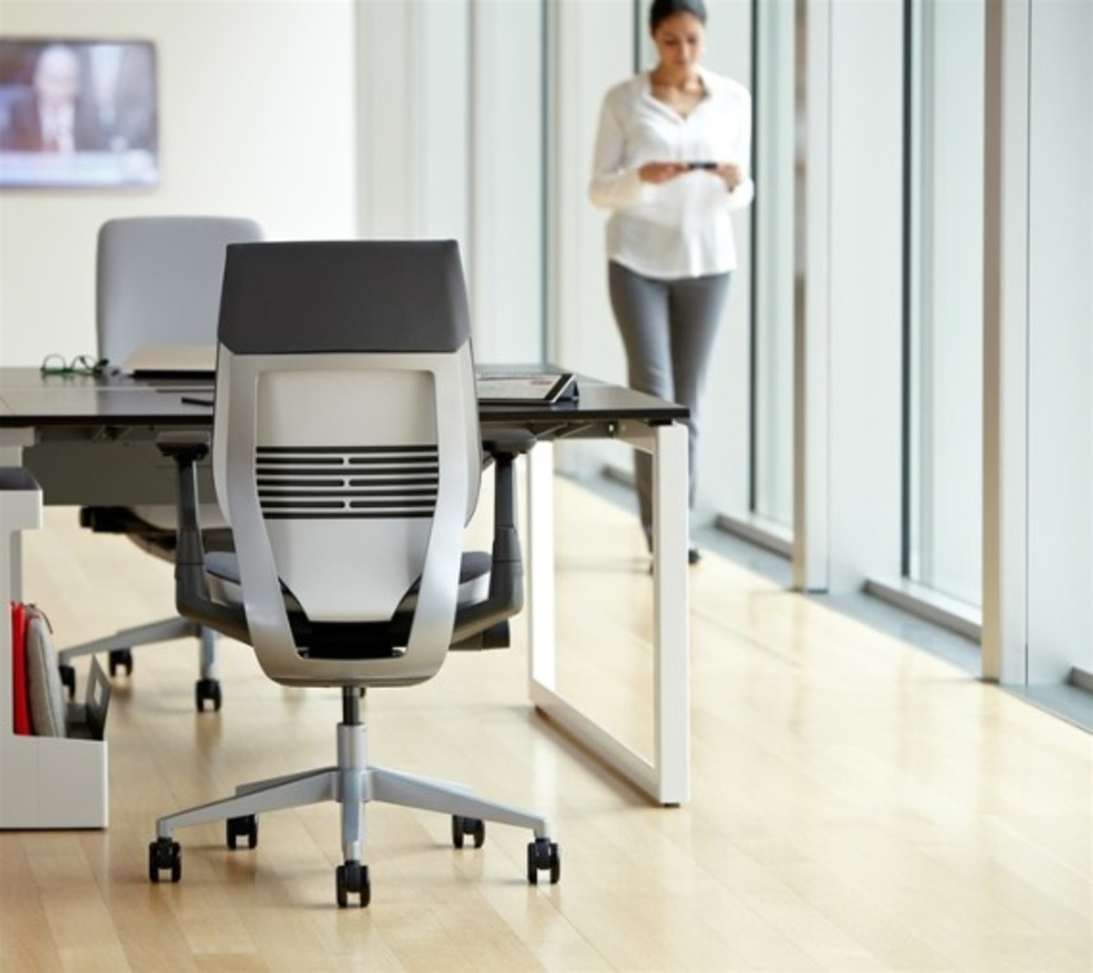 steelcase-gesture-chair-available-02