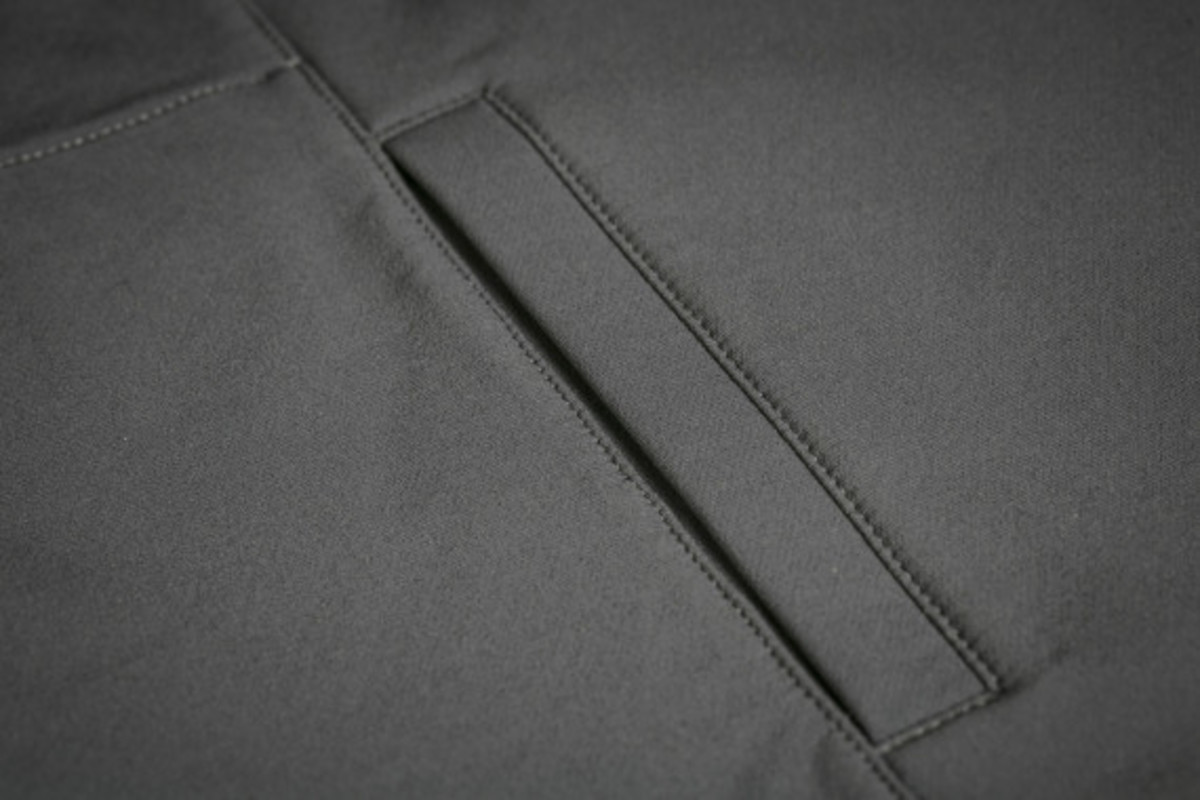 mission-workshop-zurich-softshell-hoodie-10