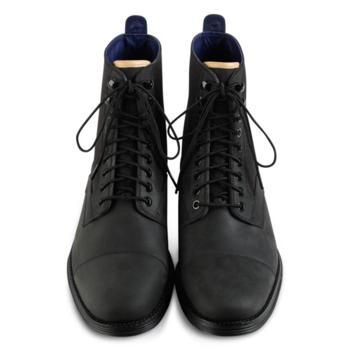 cole-haan-lunargrand-lace-boot-black-03