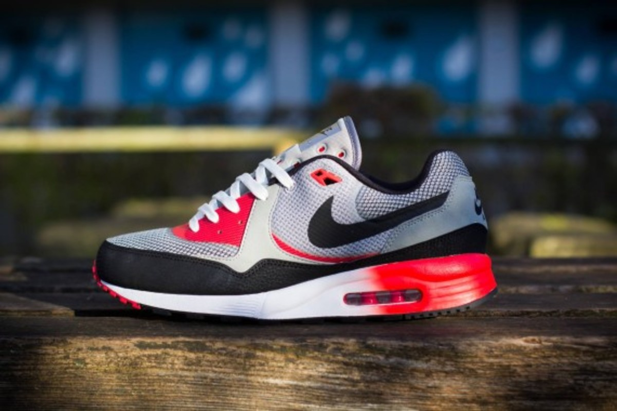 Nike Air Max Light C1.0 Freshness Mag