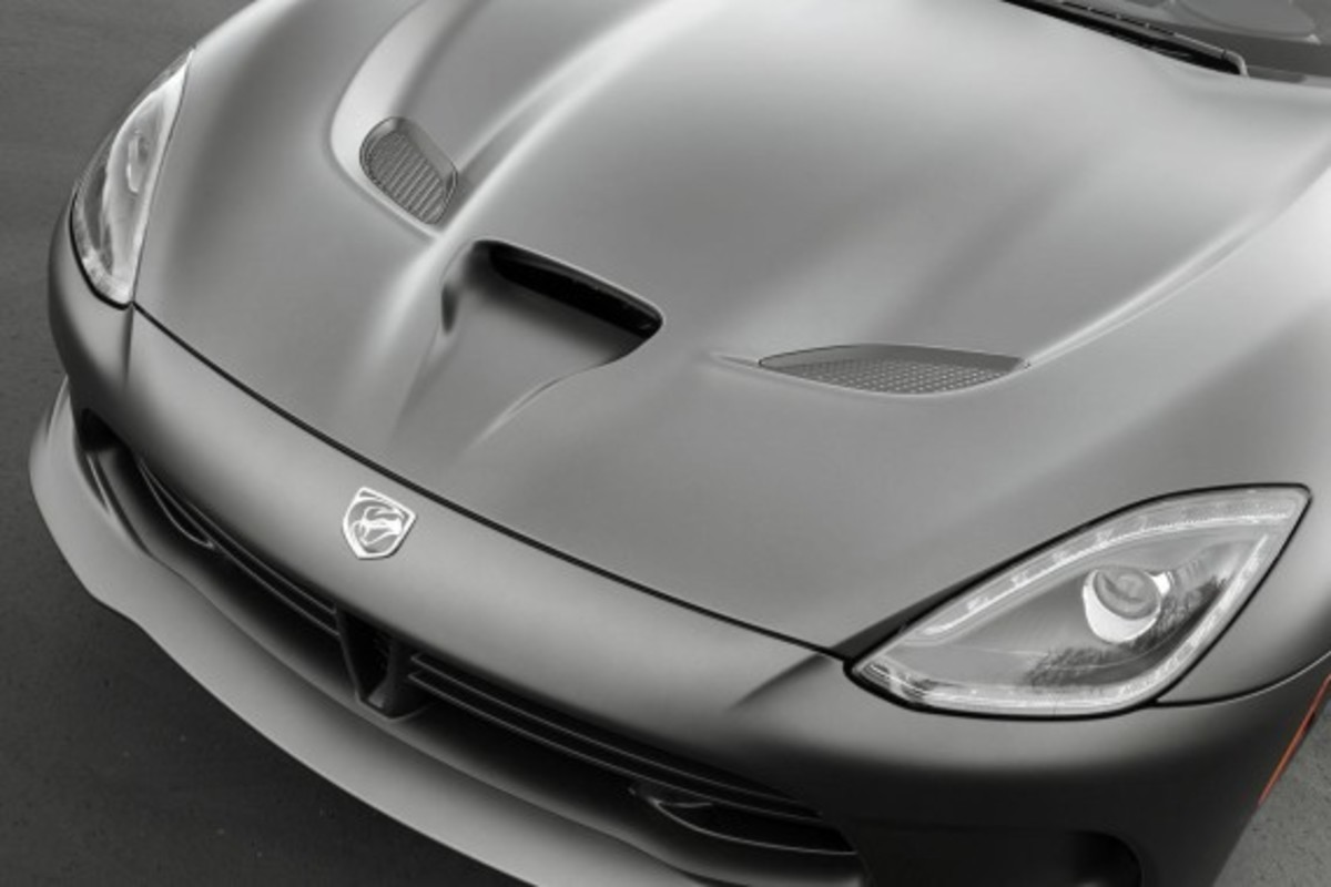 2014-srt-viper-gts-anodized-carbon-edition-04