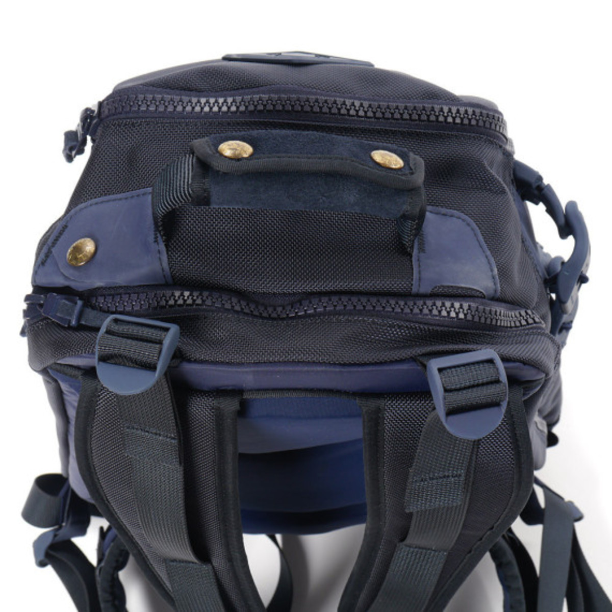 visvim-ballistic-20l-backpack-navy-05