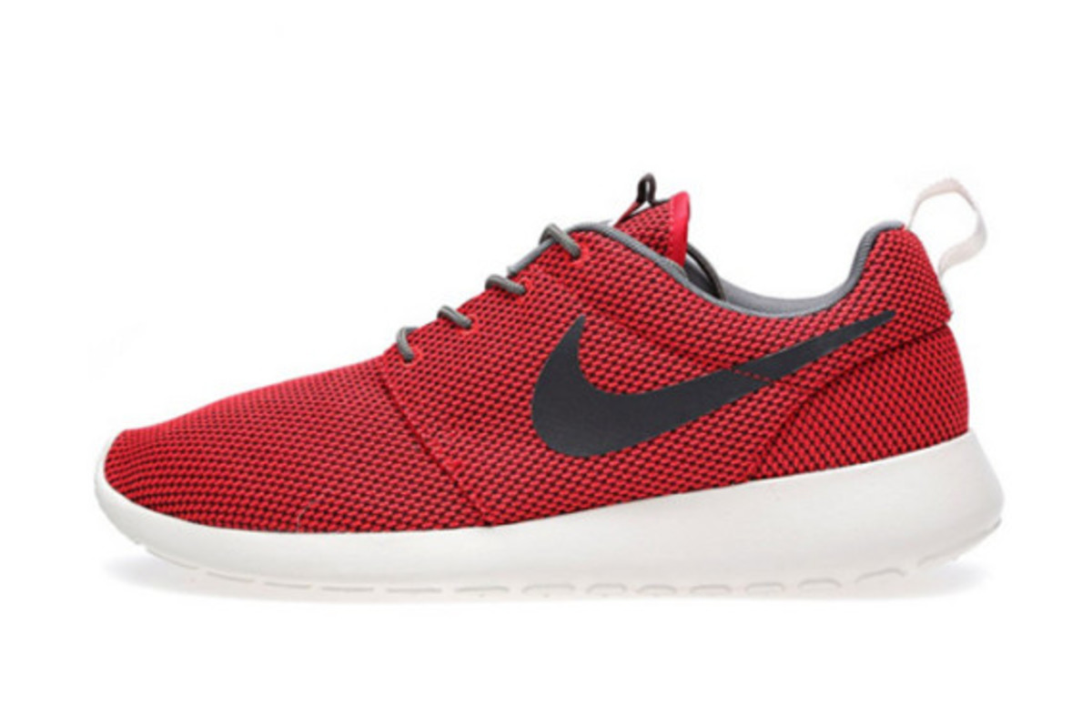 e4a3e1a32b91 Nike Roshe One Wolf Pack Knit Pattern