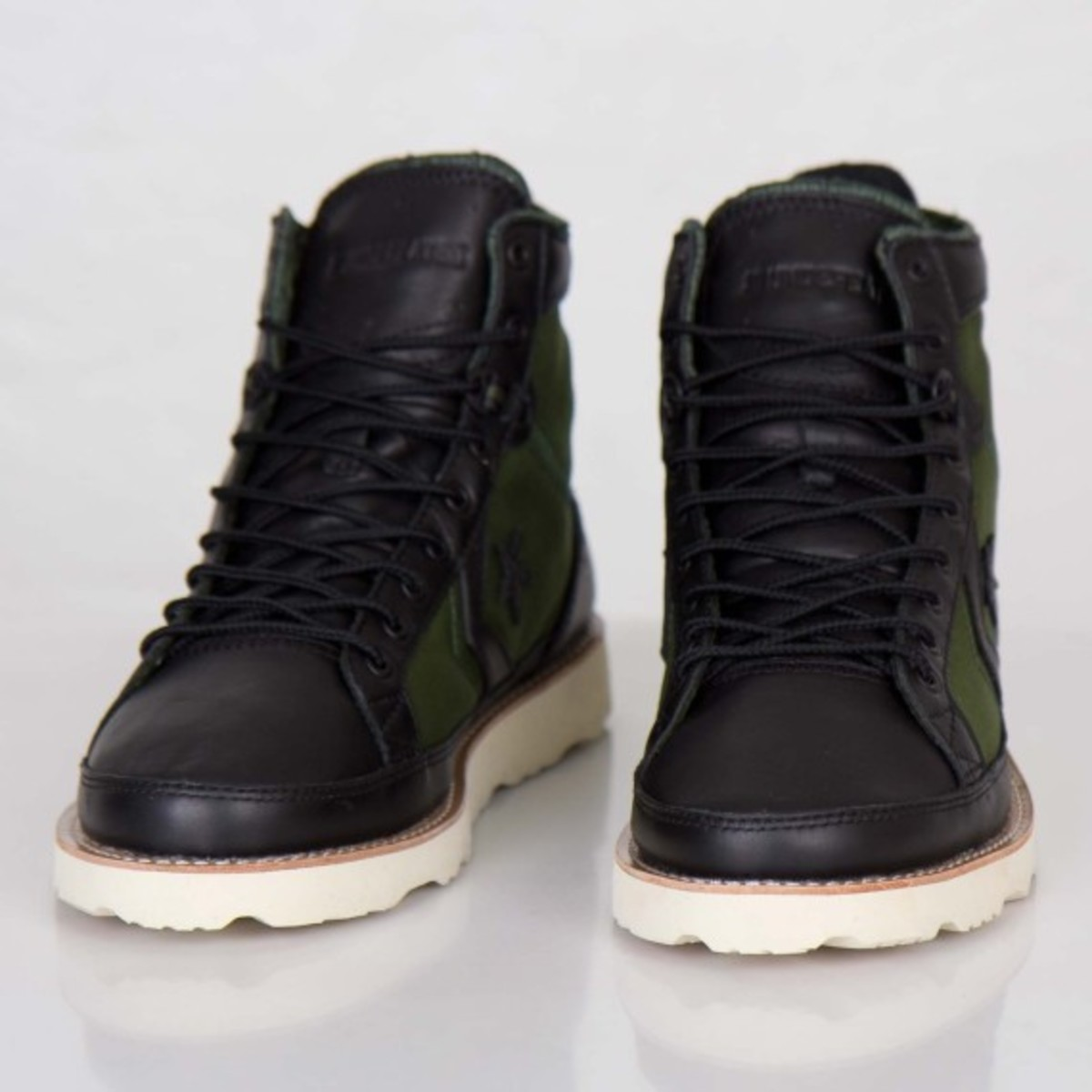 undefeated-converse-pro-field-hi-detailed-look-02