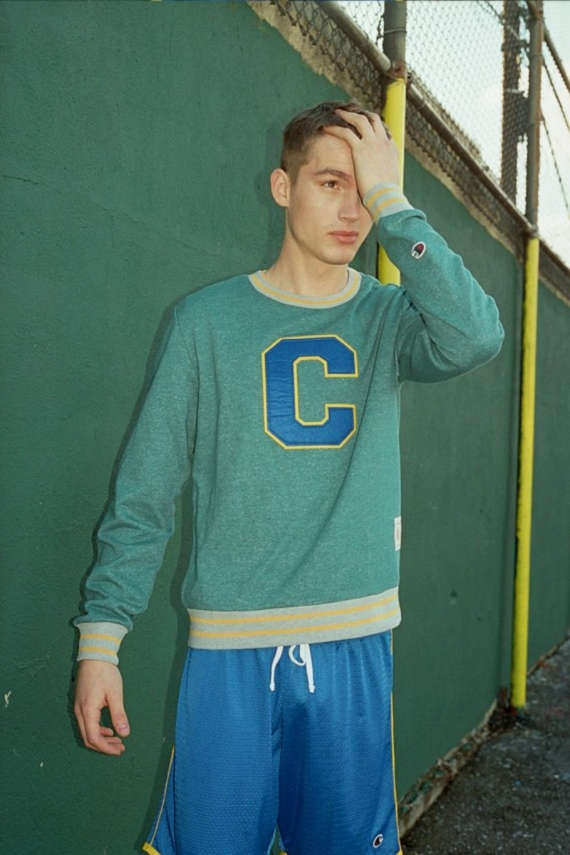 urban-outfitters-champion-04