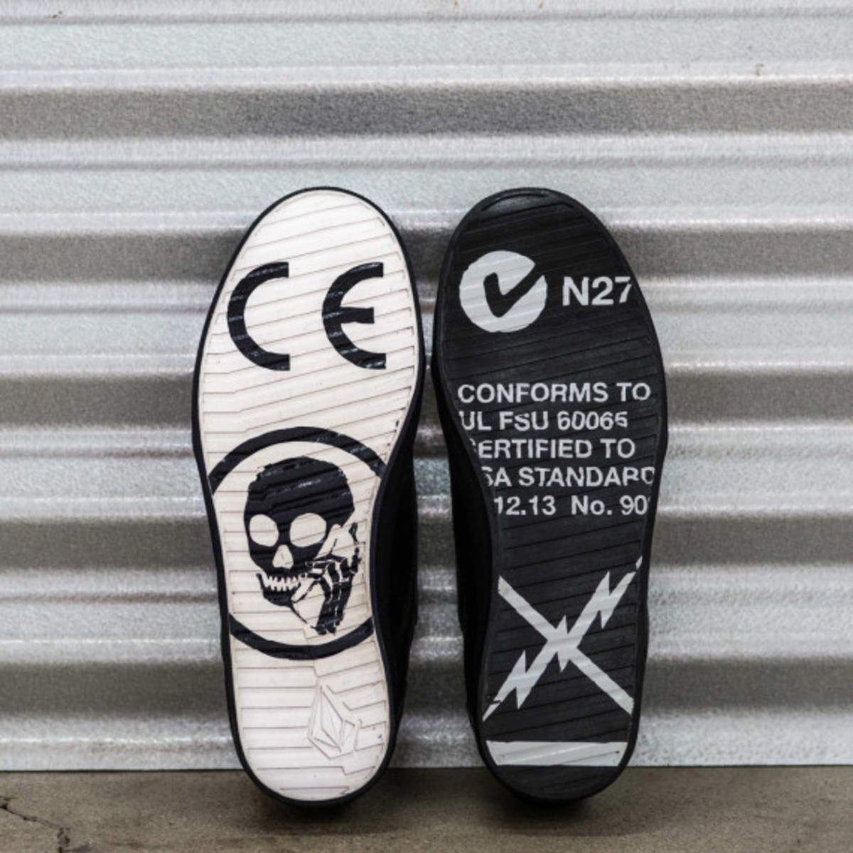 volcom-skullphone-limited-edition-shoe-05