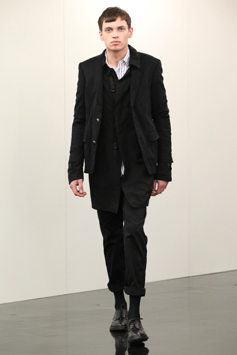 comme-des-garcons-homme-fall-winter-2013-collection-runway-show-27