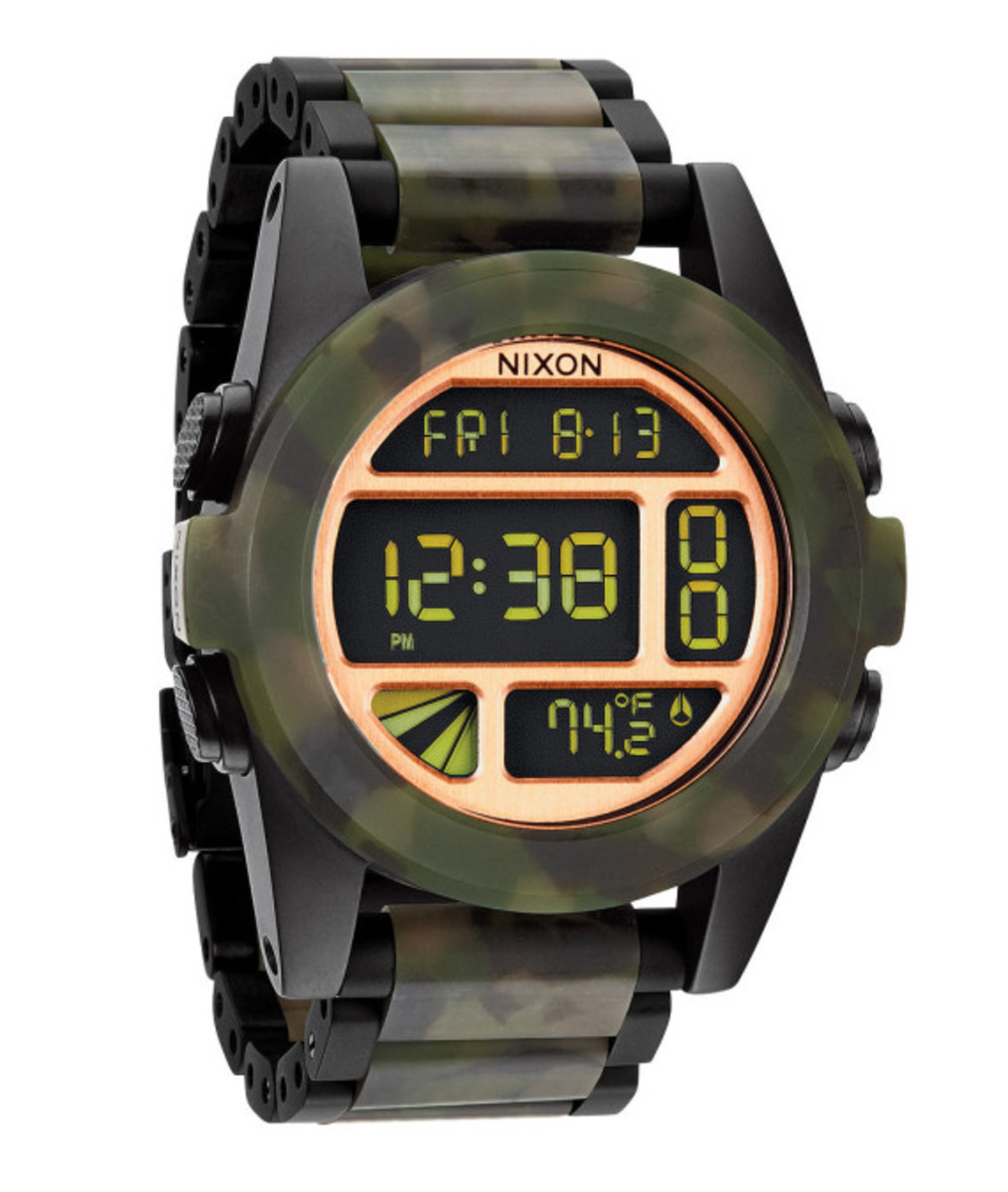 nixon-the-unit-ss-matte-black-camo-02