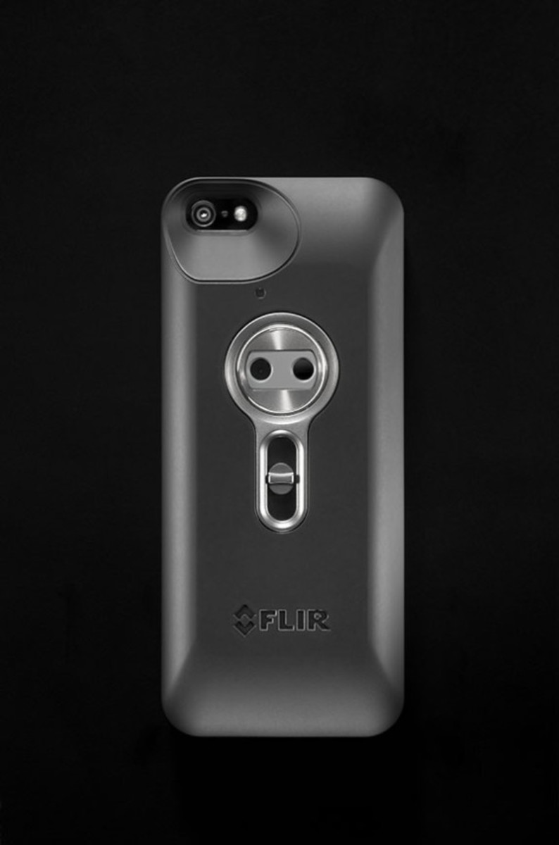 flir-one-personal-infrared-thermal-imaging-device-for-iphone-03