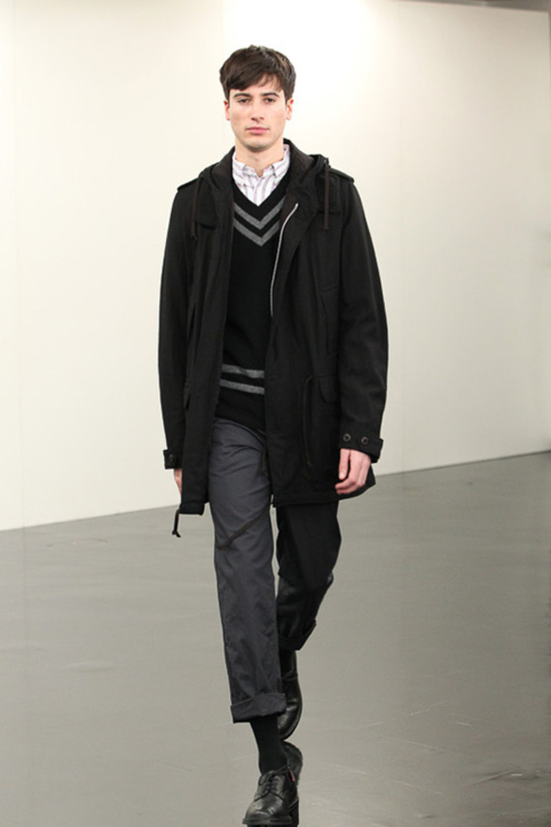 comme-des-garcons-homme-fall-winter-2013-collection-runway-show-25