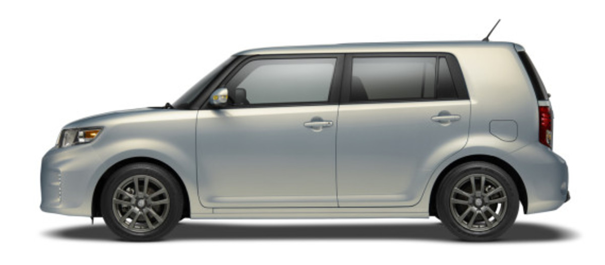 scion-10th-anniversary-special-edition-models-35