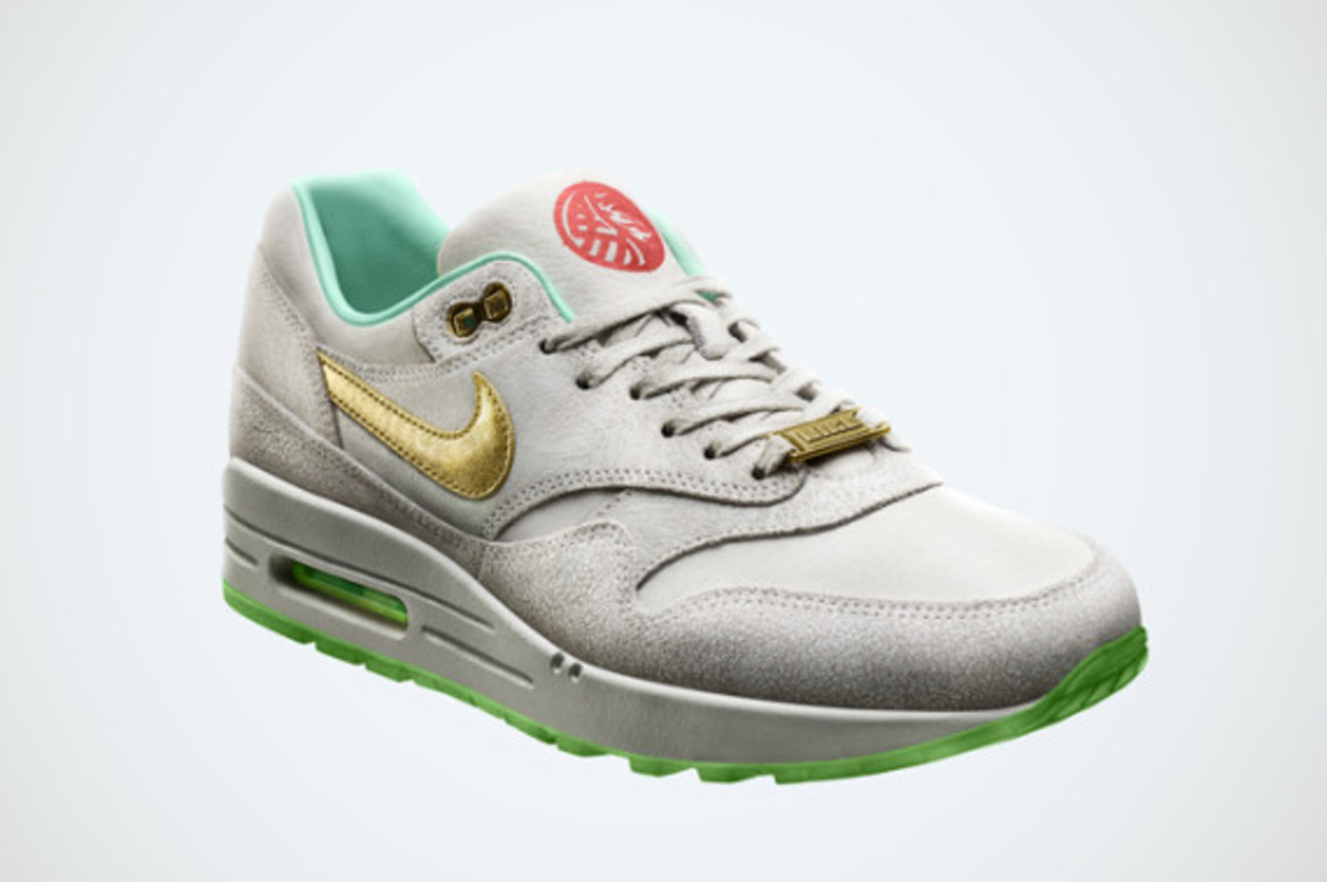 nike-womens-air-max-1-year-of-the-horse-02