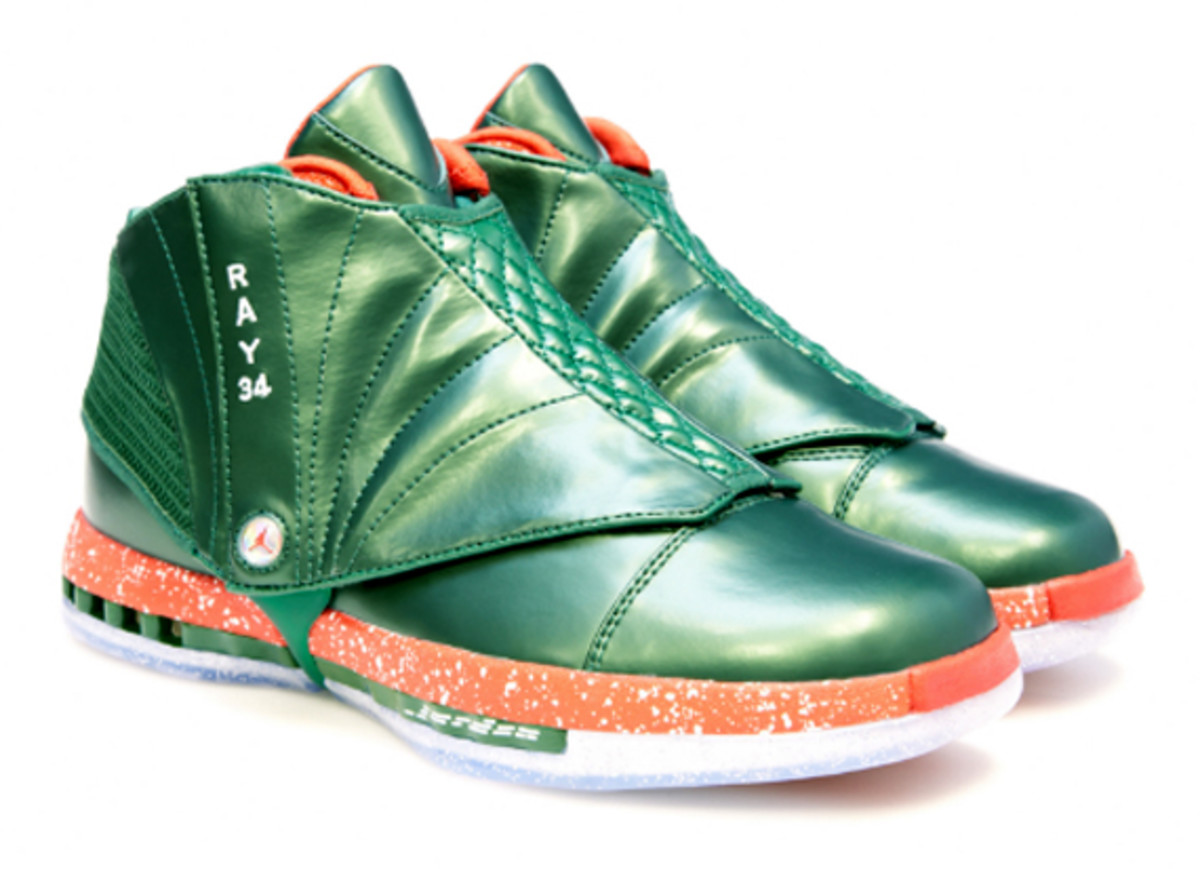 air-jordan-10-and-16-christmas-editions-for-ray-allen-03