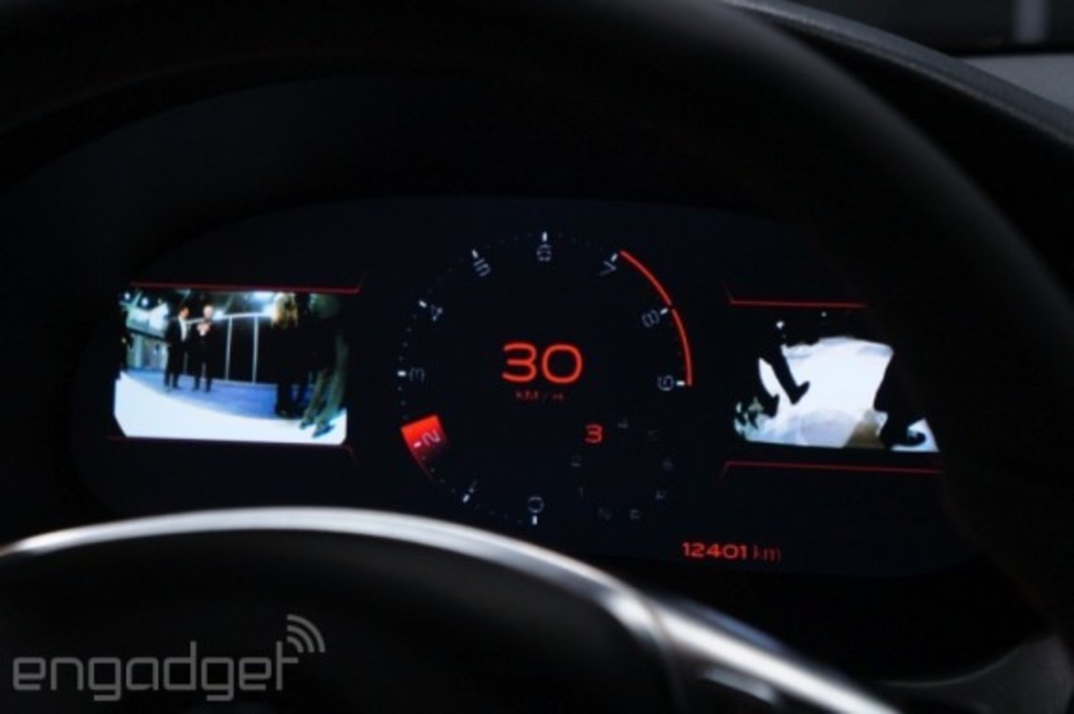 mercedes-benz-cla-45-amg-with-qnx-infotainment-system-11