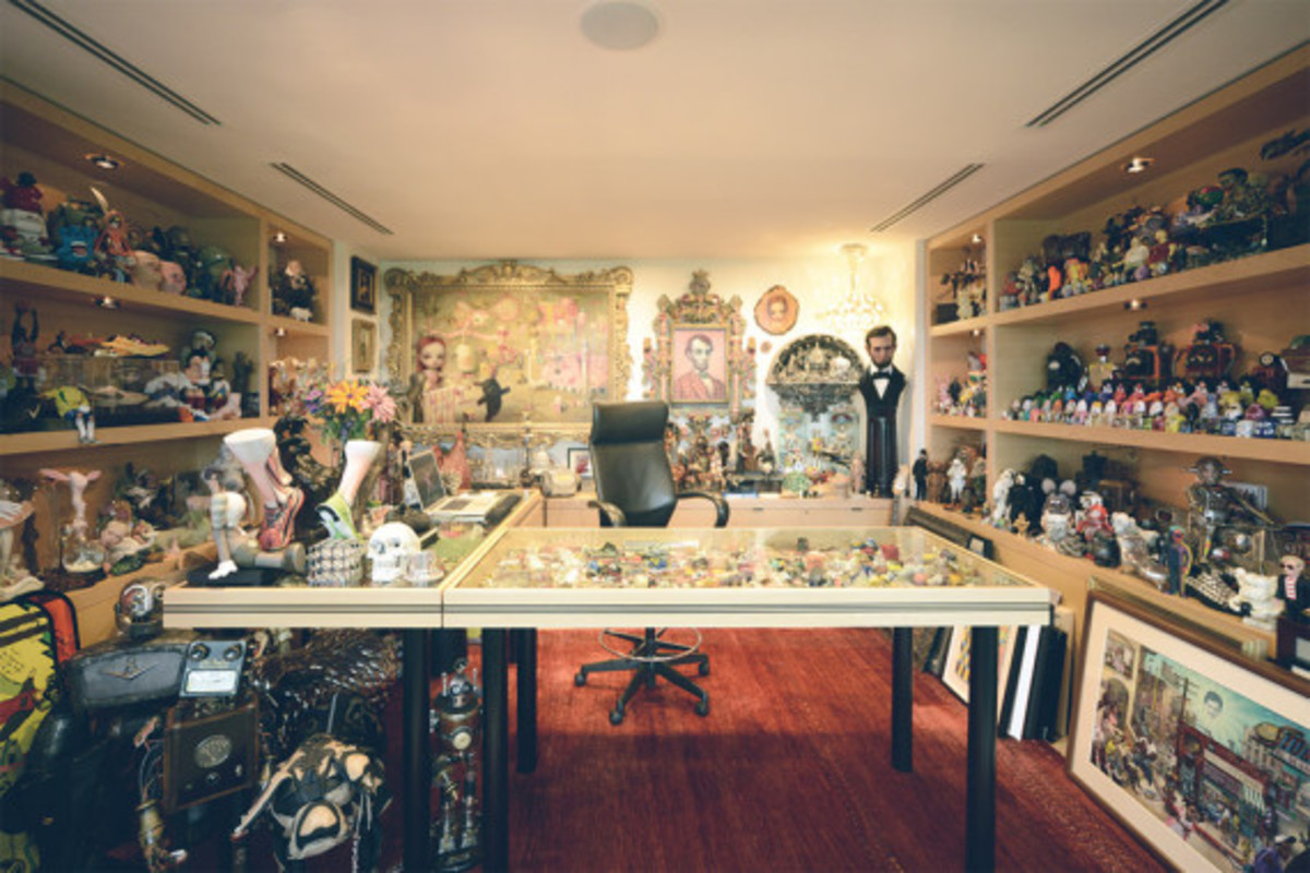 obscura-magazine-inside-look-at-mark-parker-office-12