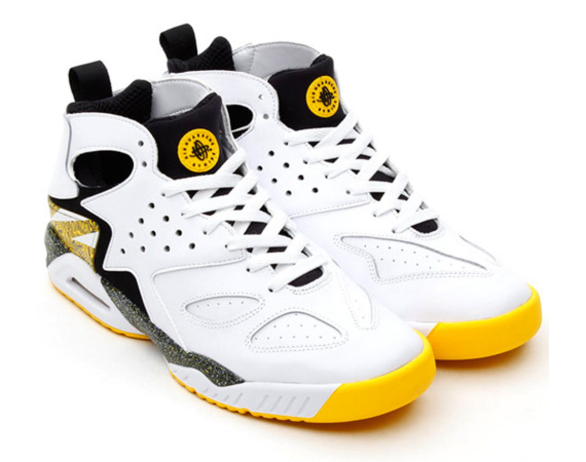 sale retailer 753f5 3bdec nike-air-tech-challenge-huarache-yellow-white-black-