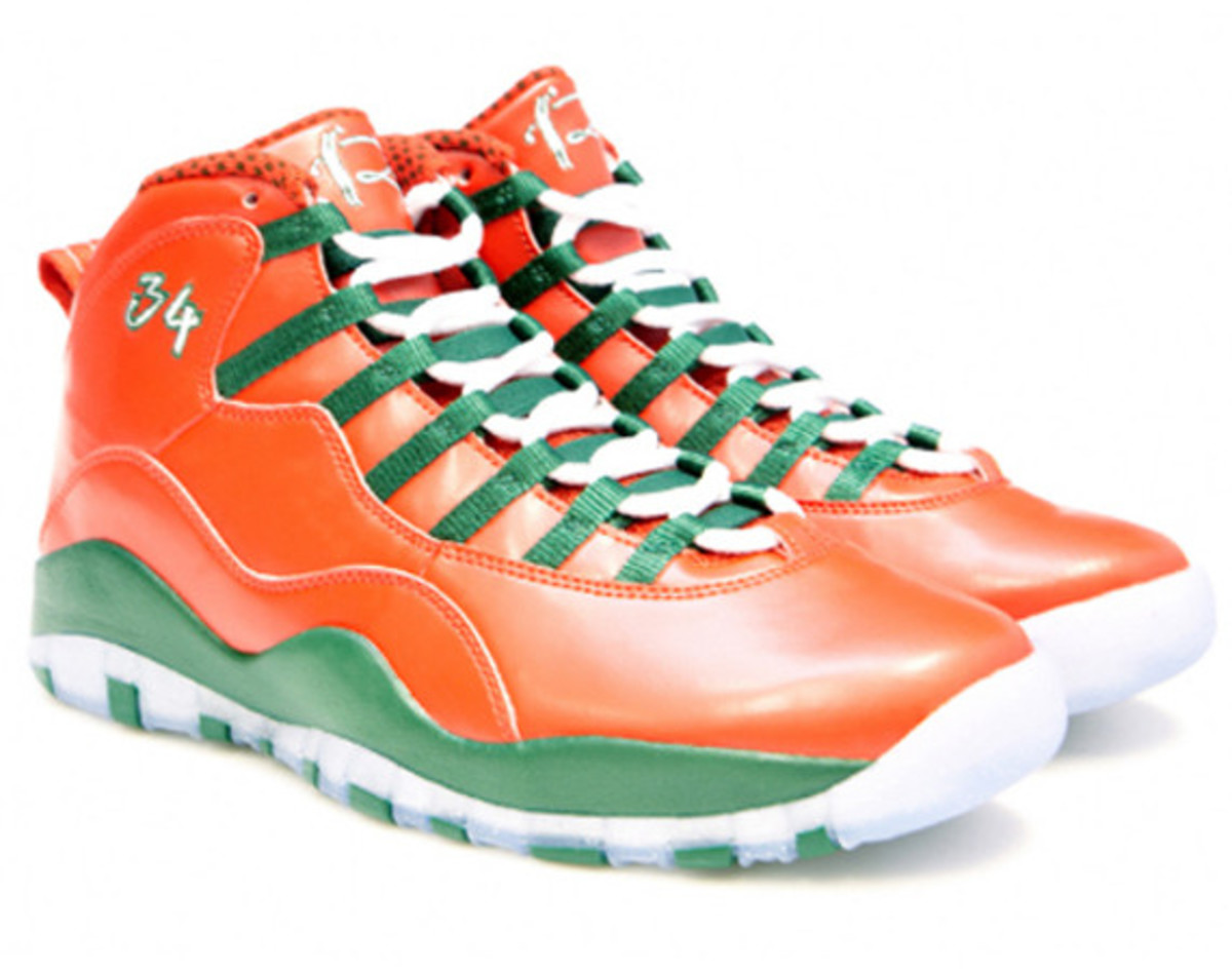 air-jordan-10-and-16-christmas-editions-for-ray-allen-01