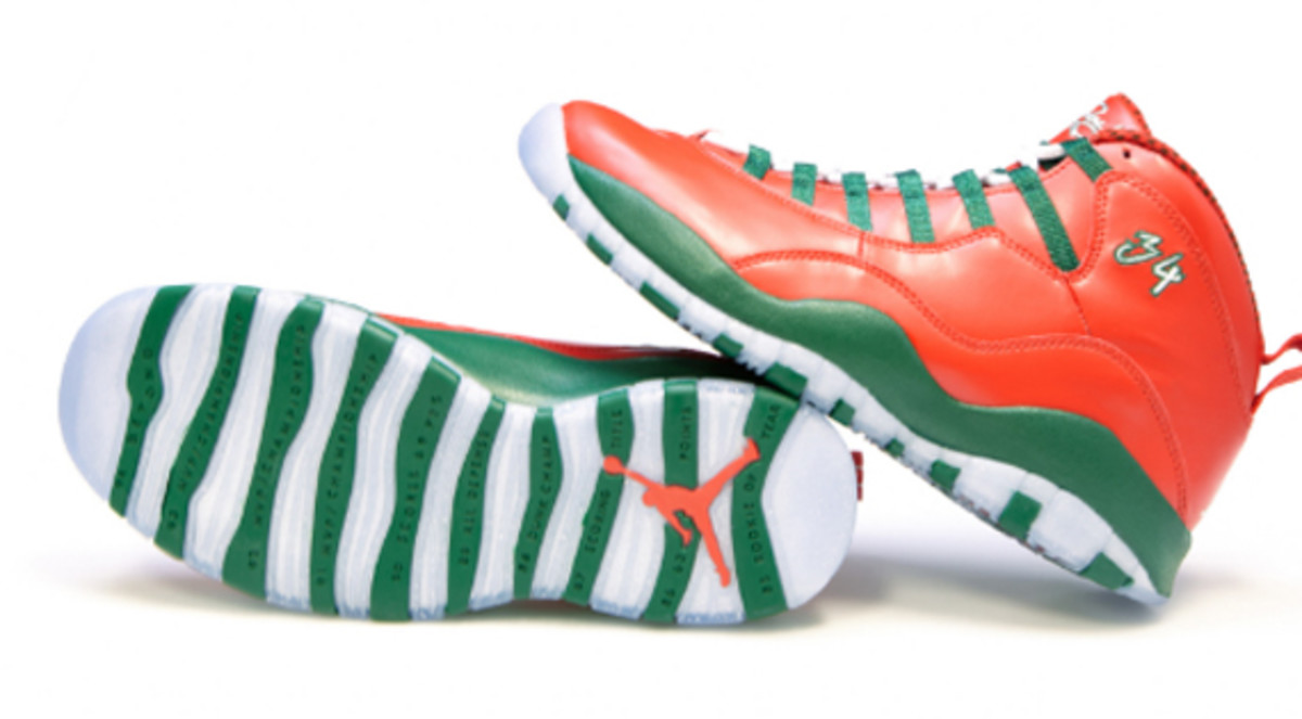 air-jordan-10-and-16-christmas-editions-for-ray-allen-02