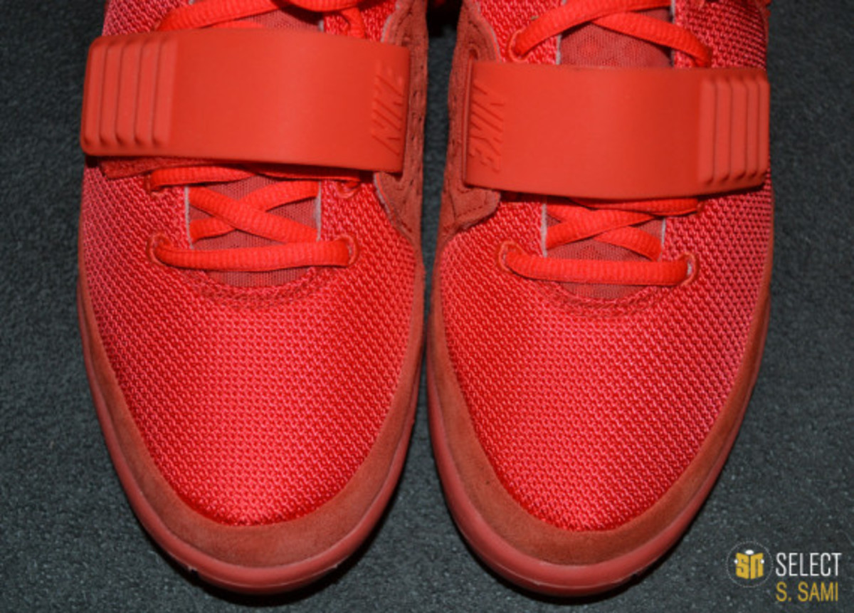 nike-air-yeezy-2-red-october-detailed-look-28