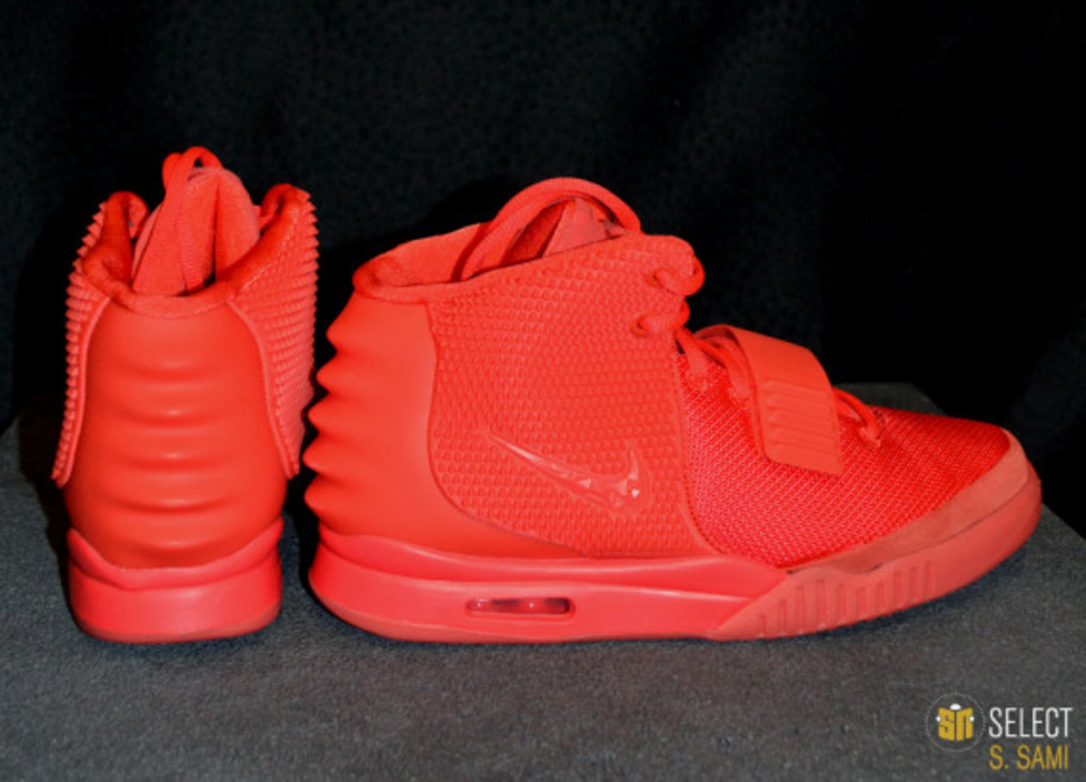 nike-air-yeezy-2-red-october-detailed-look-14