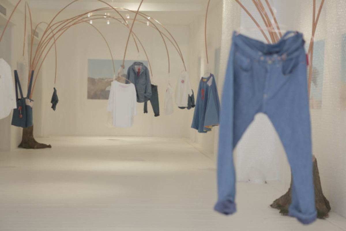 levis-red-pop-up-shop-new-york-city-11
