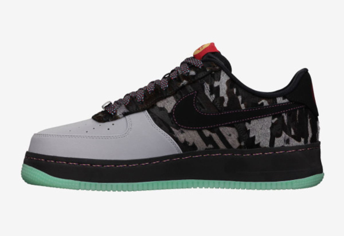 nike-air-force-1-premium-year-of-the-horse-available-02