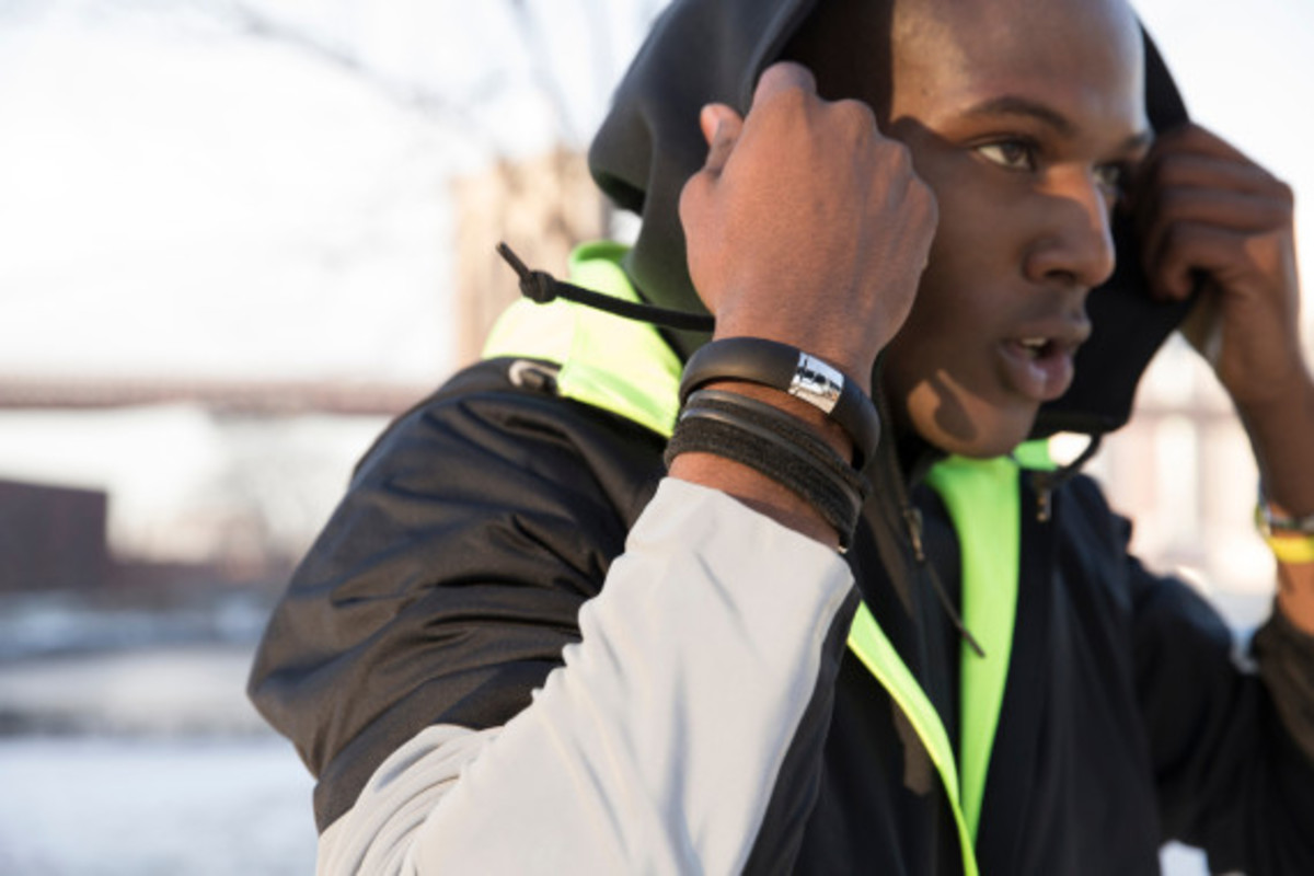 nike-fuelband-se-silver-03